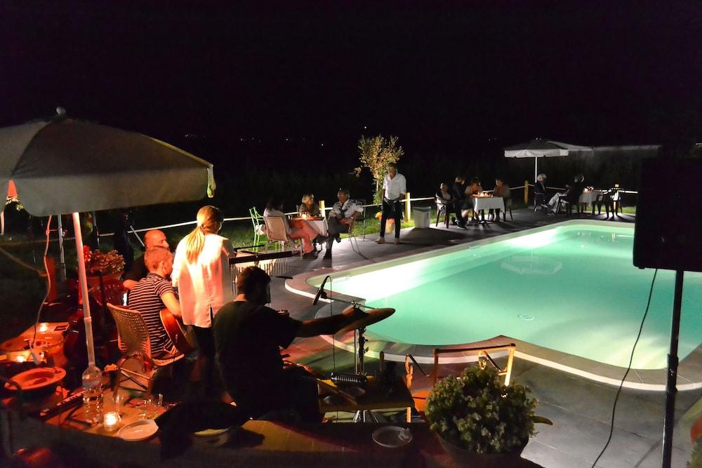 테라 데이 산티 컨트리 하우스(Terra dei Santi Country House) Hotel Image 73 - Outdoor Pool