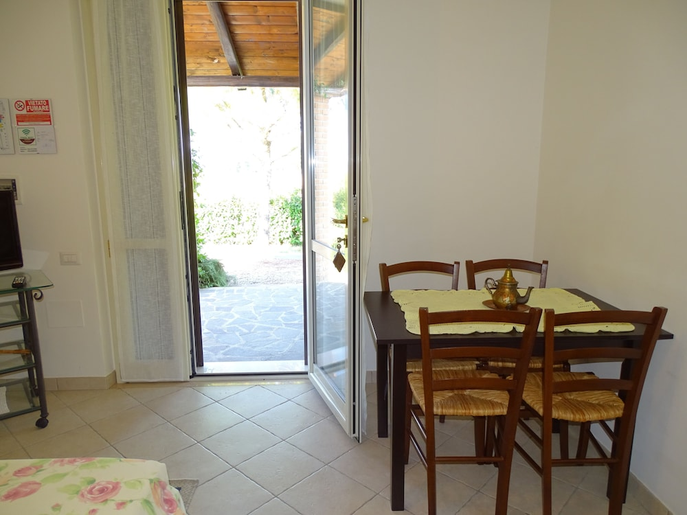테라 데이 산티 컨트리 하우스(Terra dei Santi Country House) Hotel Image 25 - In-Room Dining
