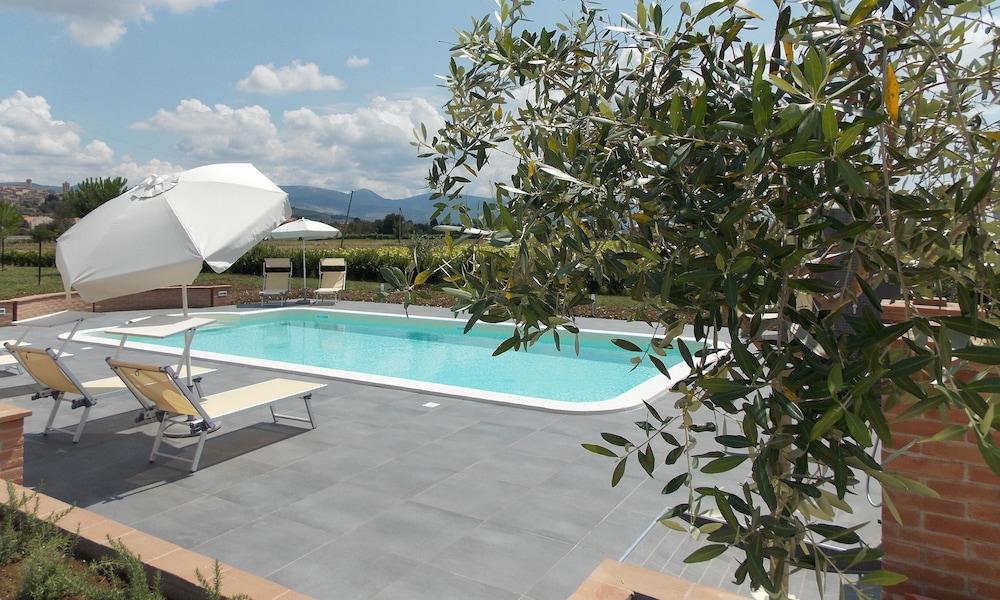 테라 데이 산티 컨트리 하우스(Terra dei Santi Country House) Hotel Image 2 - Pool