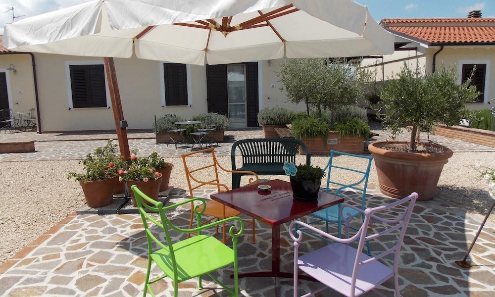 테라 데이 산티 컨트리 하우스(Terra dei Santi Country House) Hotel Image 94 - Terrace/Patio