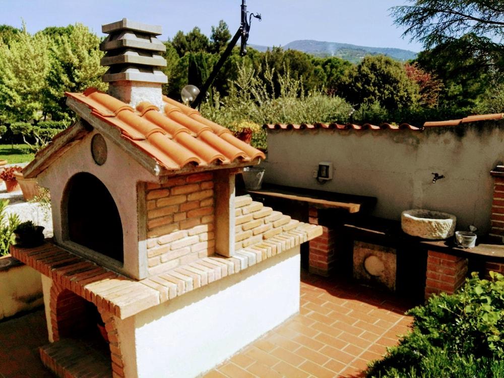 테라 데이 산티 컨트리 하우스(Terra dei Santi Country House) Hotel Image 97 - BBQ/Picnic Area