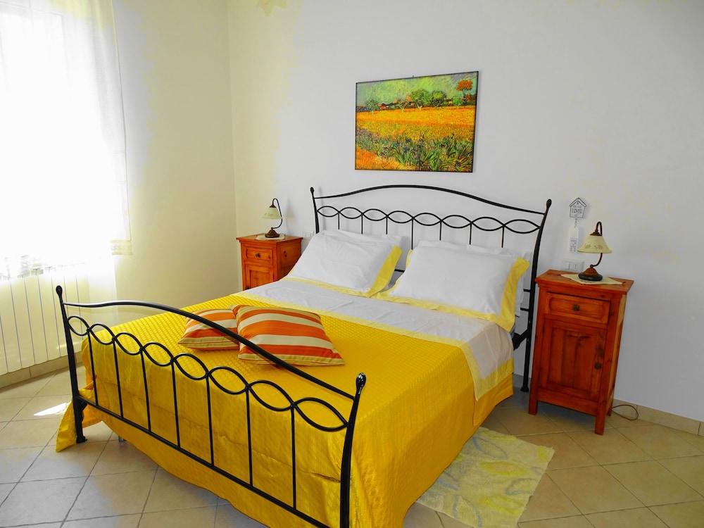 테라 데이 산티 컨트리 하우스(Terra dei Santi Country House) Hotel Image 14 - Guestroom