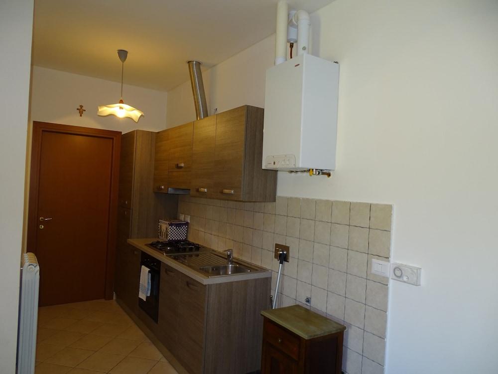 테라 데이 산티 컨트리 하우스(Terra dei Santi Country House) Hotel Image 31 - In-Room Kitchen