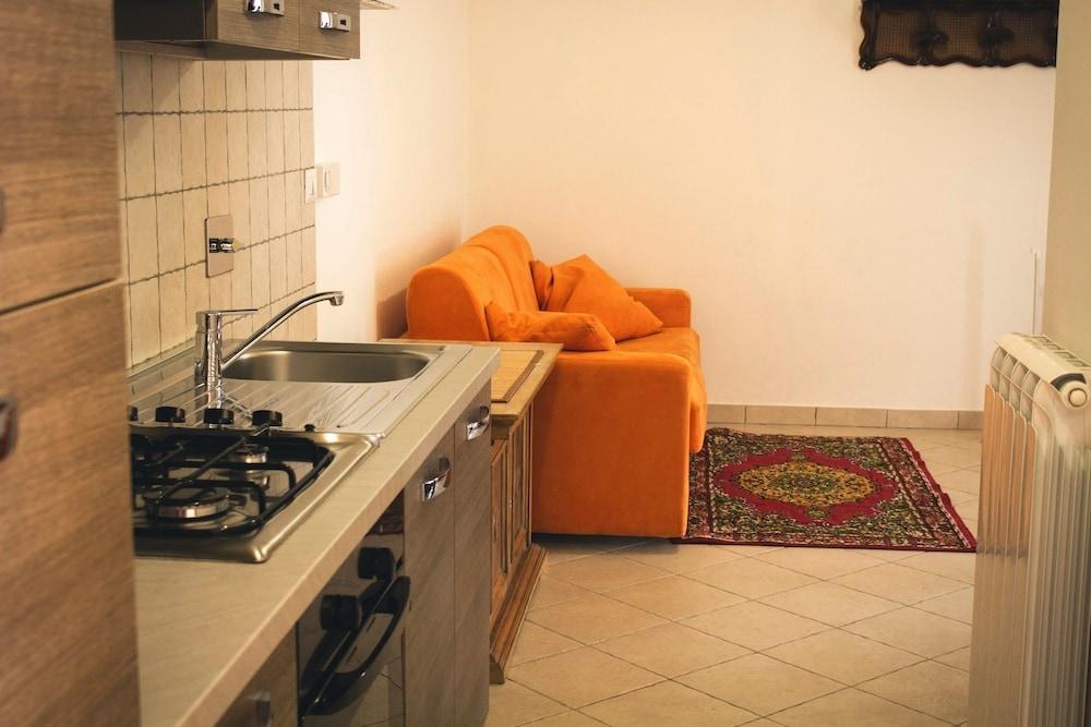 테라 데이 산티 컨트리 하우스(Terra dei Santi Country House) Hotel Image 30 - In-Room Kitchen