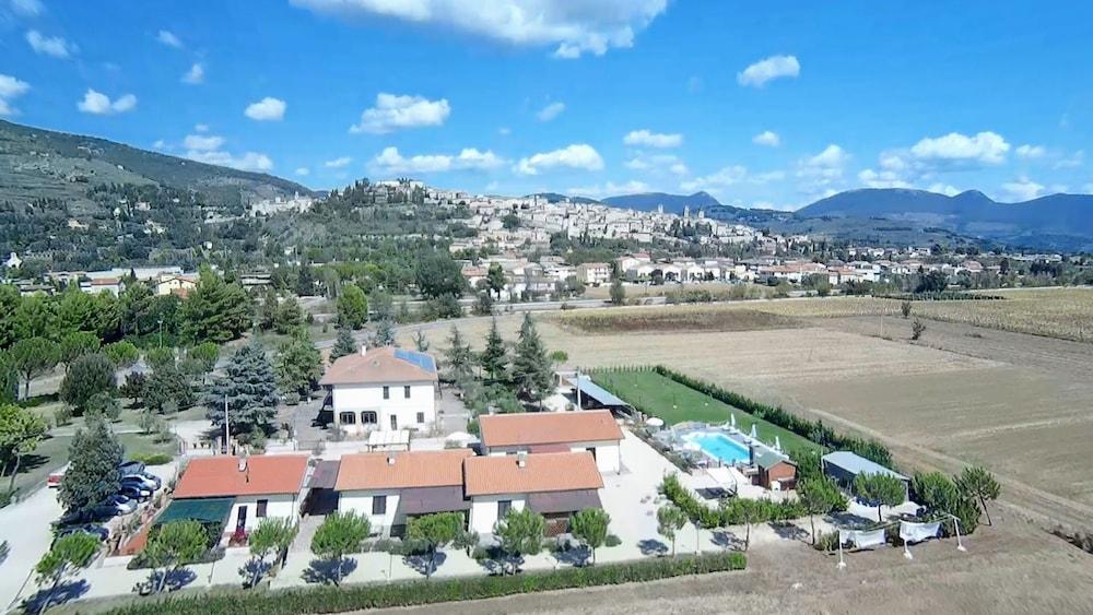 테라 데이 산티 컨트리 하우스(Terra dei Santi Country House) Hotel Image 100 - Aerial View