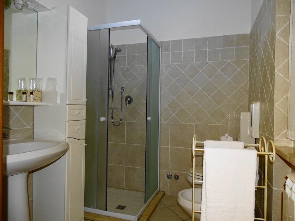 테라 데이 산티 컨트리 하우스(Terra dei Santi Country House) Hotel Image 67 - Bathroom