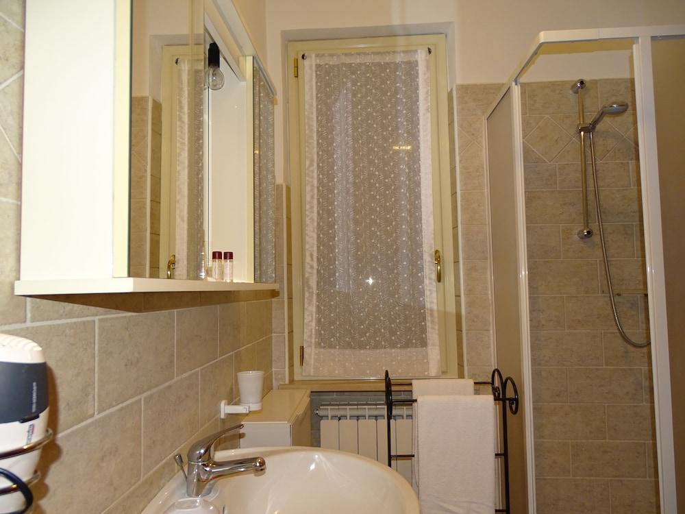 테라 데이 산티 컨트리 하우스(Terra dei Santi Country House) Hotel Image 63 - Bathroom