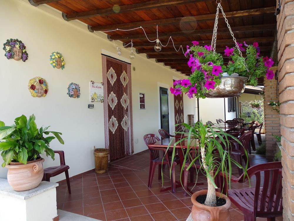 테라 데이 산티 컨트리 하우스(Terra dei Santi Country House) Hotel Image 70 - Reception