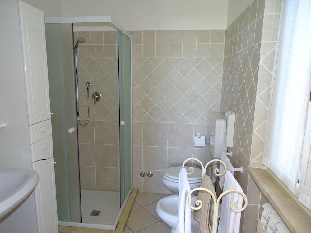 테라 데이 산티 컨트리 하우스(Terra dei Santi Country House) Hotel Image 65 - Bathroom