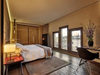 Conservatorium one Bedroom Suite