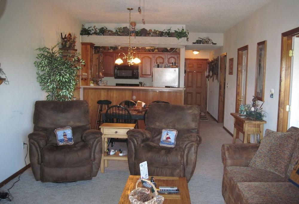빌리지 앳 인디안 포인트(The Village At Indian Point) Hotel Image 23 - Living Room