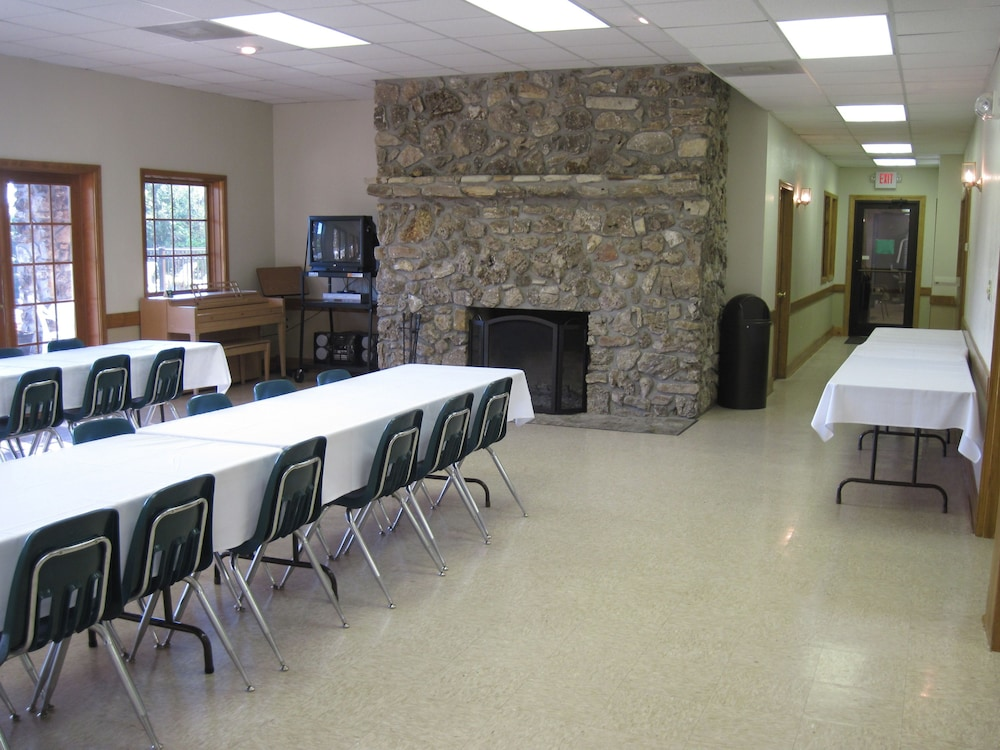 빌리지 앳 인디안 포인트(The Village At Indian Point) Hotel Image 50 - Meeting Facility
