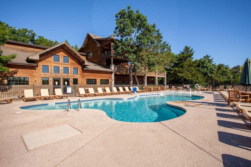 빌리지 앳 인디안 포인트(The Village At Indian Point) Hotel Image 35 - Outdoor Pool