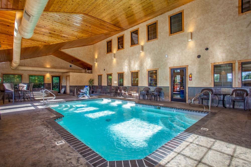 빌리지 앳 인디안 포인트(The Village At Indian Point) Hotel Image 33 - Indoor Pool