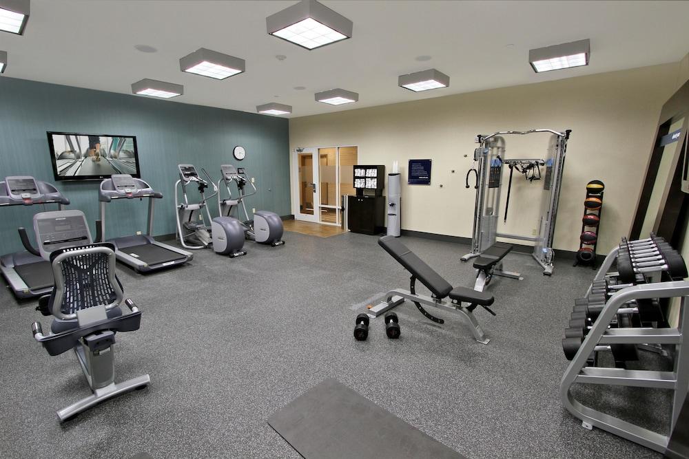 햄프턴 인 & 스위트 위니(Hampton Inn and Suites Winnie) Hotel Image 23 - Fitness Facility