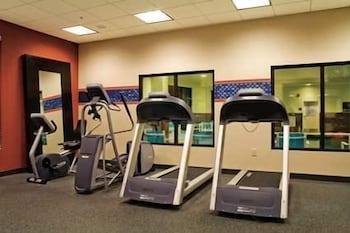 햄프턴 인 & 스위트 위니(Hampton Inn and Suites Winnie) Hotel Image 22 - Fitness Facility