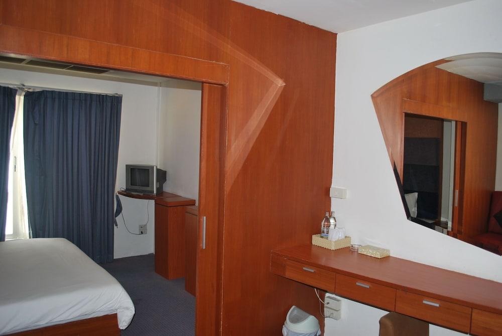 スリウォン ホテル