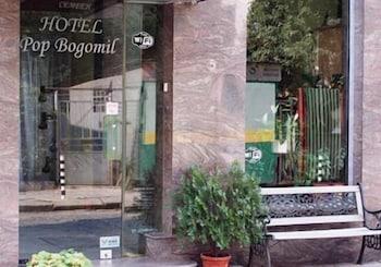 Hotel - Pop Bogomil