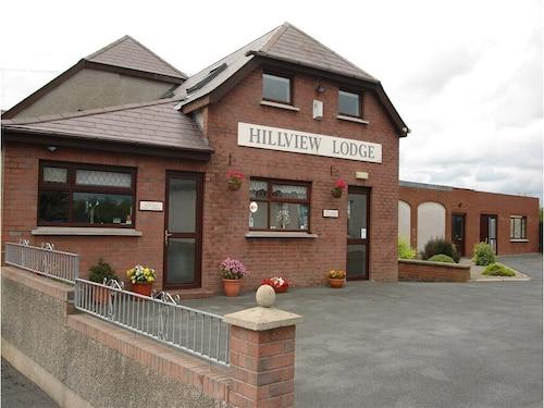 . Hillview Lodge