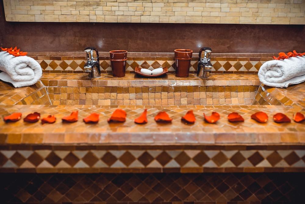 리야드 앰버 엣 에피시(Riad Ambre et Epices) Hotel Image 21 - Steam Room