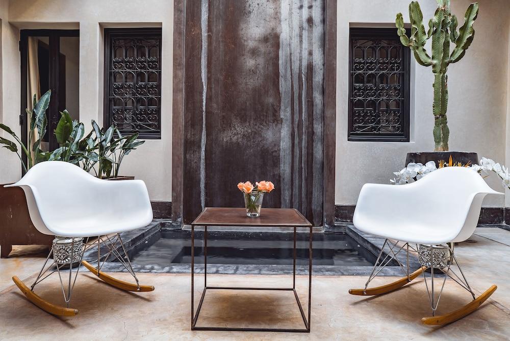 리야드 앰버 엣 에피시(Riad Ambre et Epices) Hotel Image 2 - Lobby Sitting Area
