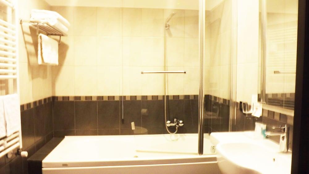 호텔 노틸러스(Hotel Nautilus) Hotel Image 16 - Bathroom