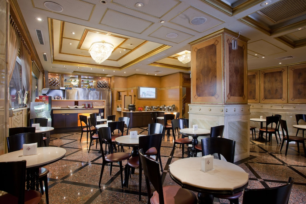 차밍 시티 숭산 호텔(Charming City Sungshan Hotel) Hotel Image 15 - Breakfast Area