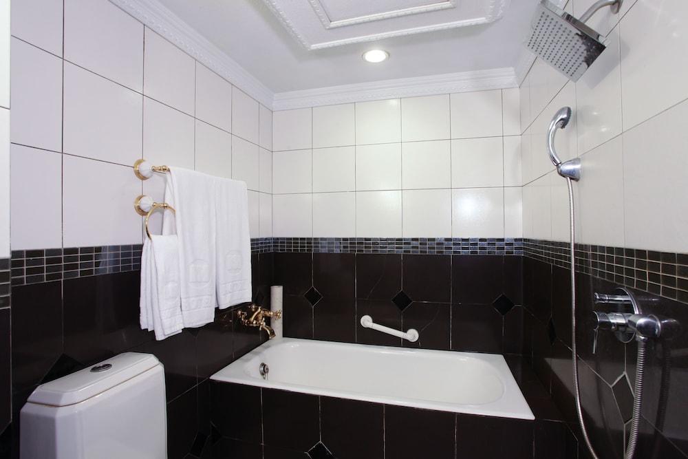차밍 시티 숭산 호텔(Charming City Sungshan Hotel) Hotel Image 19 - Bathroom