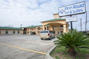 Hotel - Pinn Road Inn and Suites