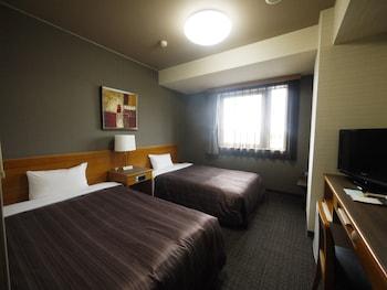ツインルームシングルサイズベッド 2 台喫煙可|ホテルルートイン中津川インター