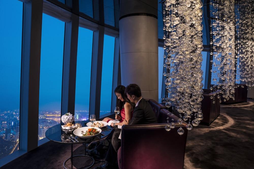 포시즌스 광저우(Four Seasons Guangzhou) Hotel Image 35 - Restaurant