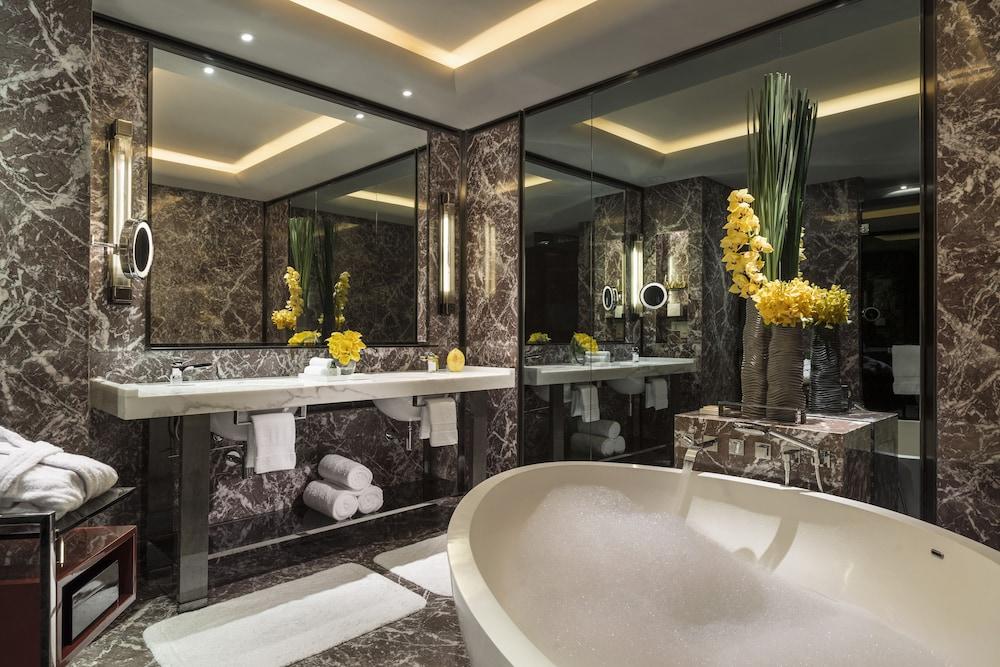 포시즌스 광저우(Four Seasons Guangzhou) Hotel Image 20 - Bathroom Amenities