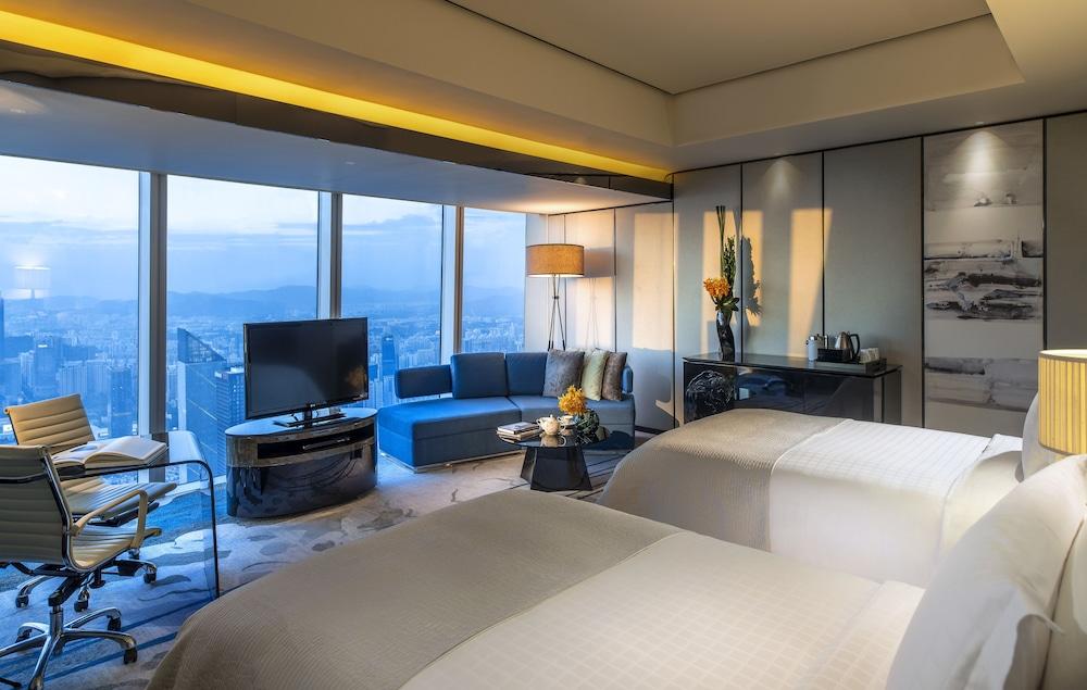 포시즌스 광저우(Four Seasons Guangzhou) Hotel Image 7 - Guestroom