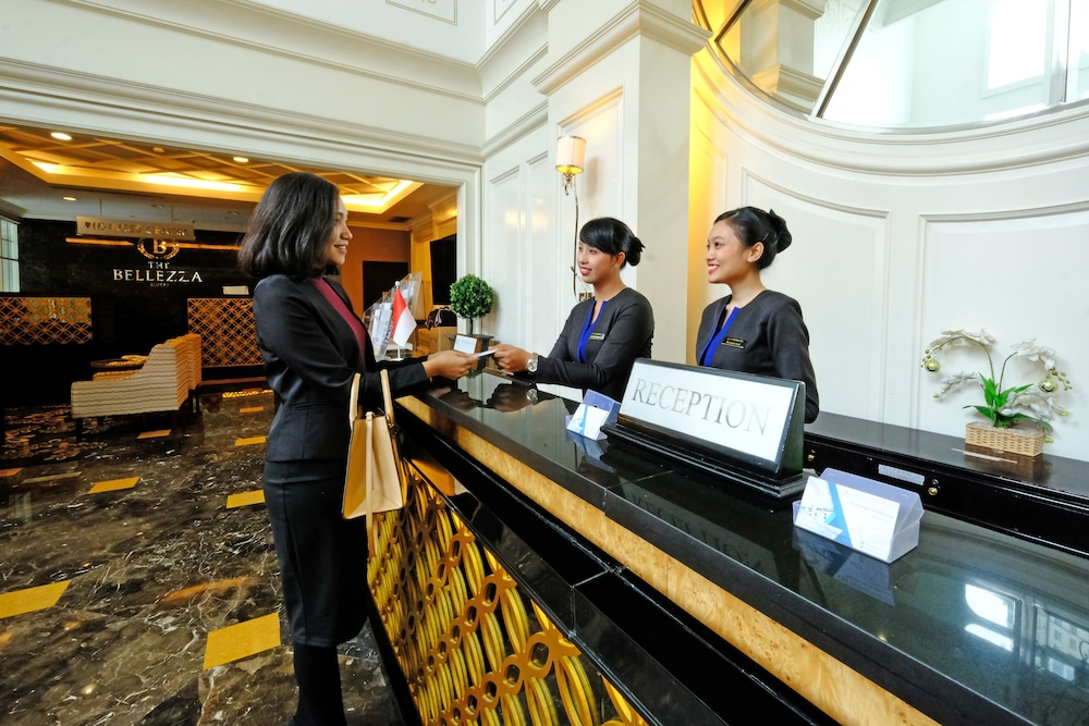 벨레자 스위트 자카르타(The Bellezza Suites Jakarta) Hotel Image 34 - Reception