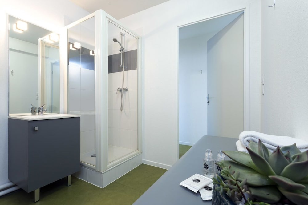 네메아 아파트호텔 툴루즈 콘스텔라시옹(Nemea Appart'Hotel Toulouse Constellation) Hotel Image 17 - Bathroom