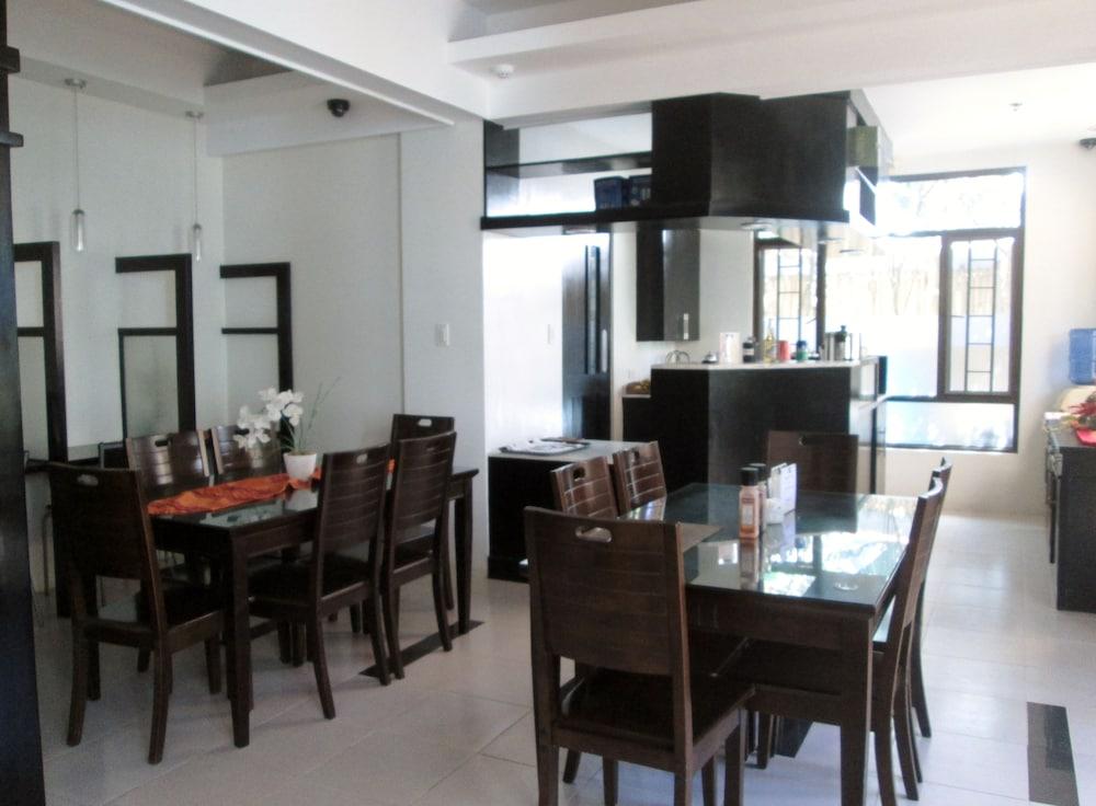 원 크레슨트 플레이스(One Crescent Place) Hotel Image 52 - Dining