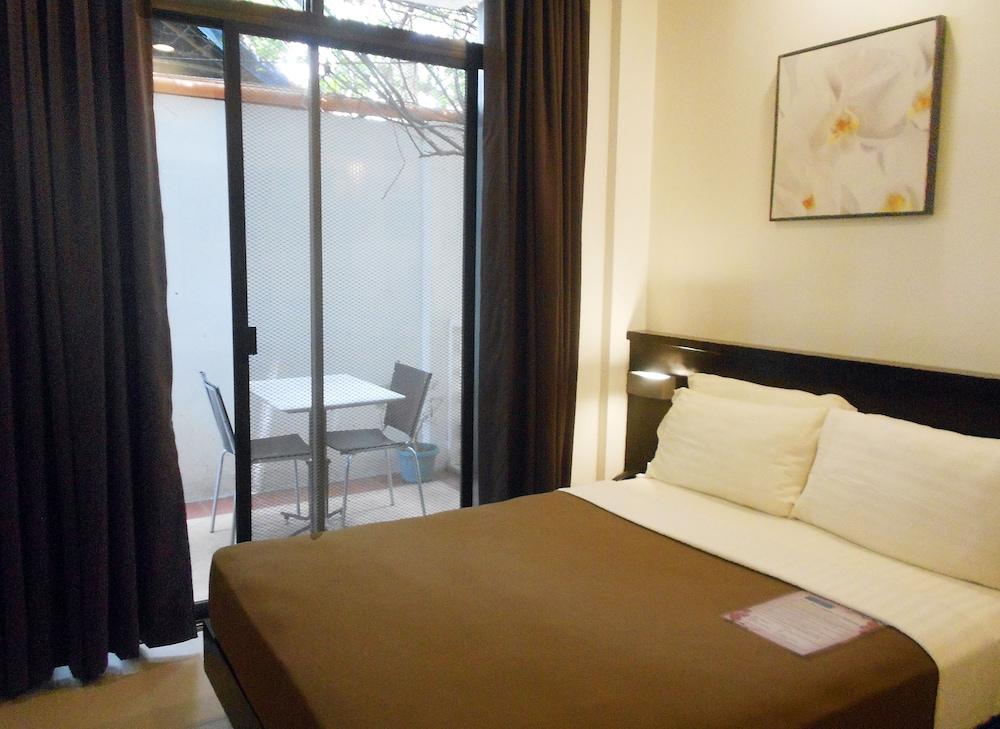 원 크레슨트 플레이스(One Crescent Place) Hotel Image 37 - Guestroom
