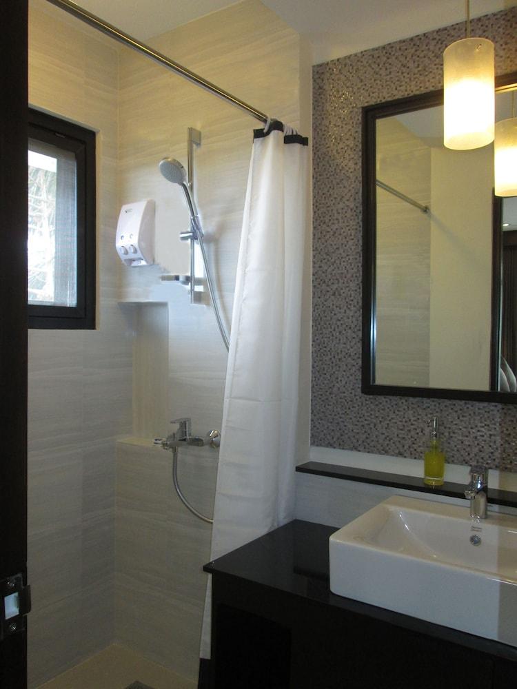 원 크레슨트 플레이스(One Crescent Place) Hotel Image 40 - Bathroom