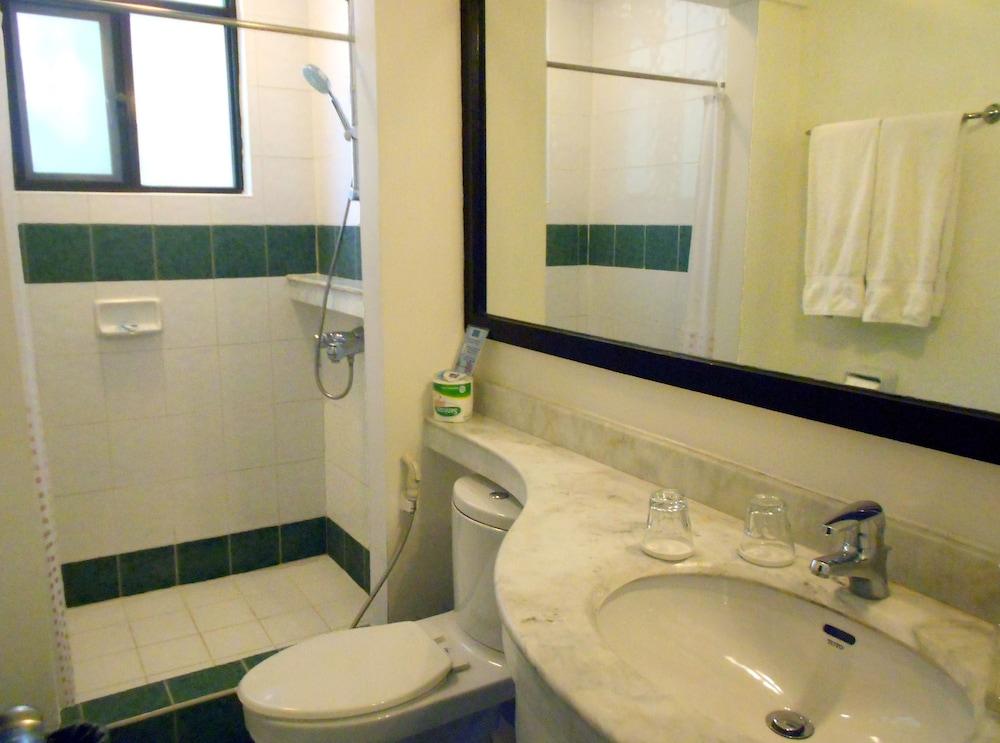 원 크레슨트 플레이스(One Crescent Place) Hotel Image 47 - Bathroom