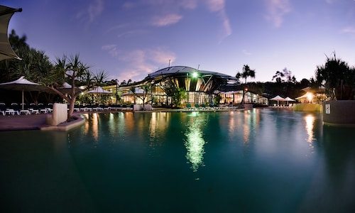 . Kingfisher Bay Resort
