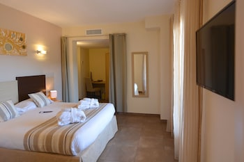 Family Suite 2 Bedrooms (Courtyard View)