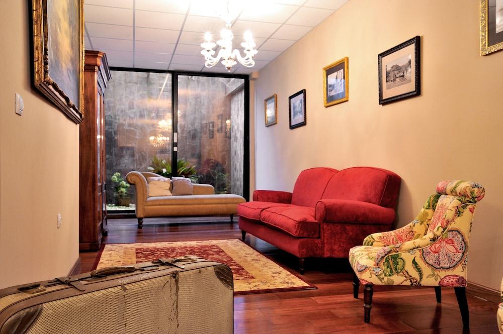 라 카소나 데 라 로사(La Casona de la Roza) Hotel Image 21 - Living Area