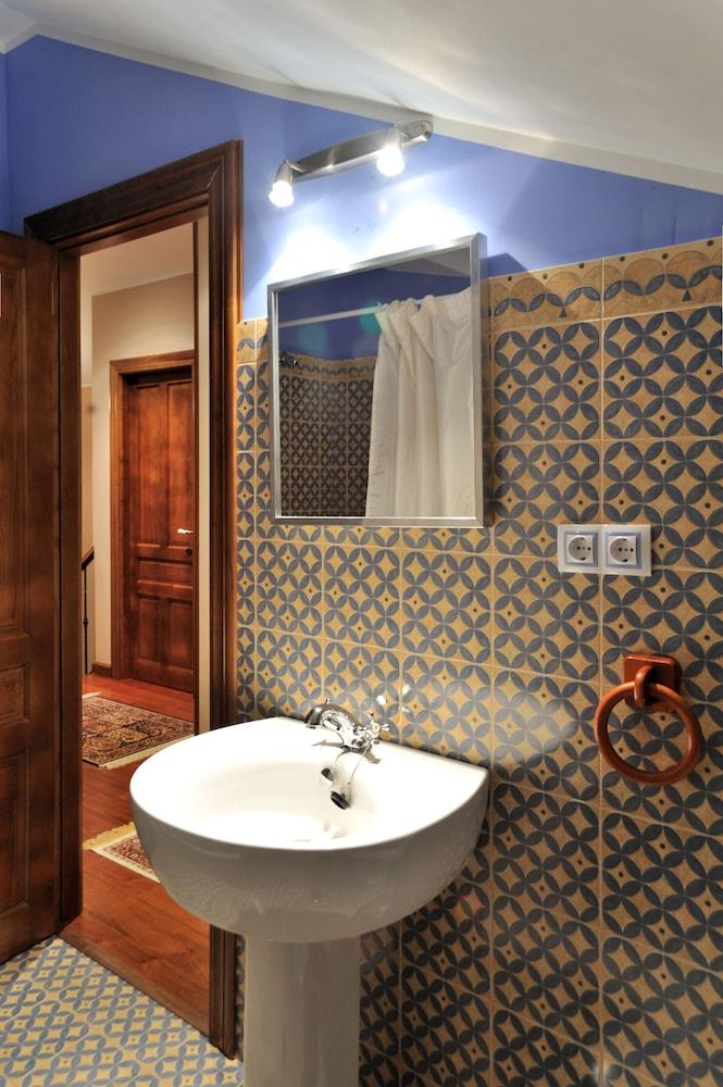 라 카소나 데 라 로사(La Casona de la Roza) Hotel Image 29 - Bathroom