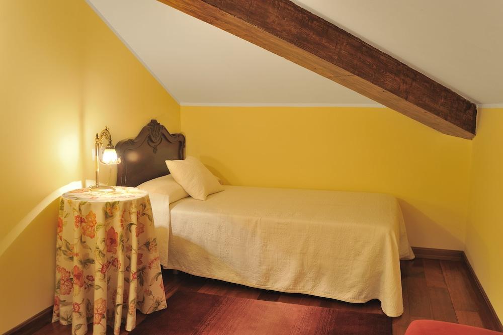 라 카소나 데 라 로사(La Casona de la Roza) Hotel Image 5 - Guestroom
