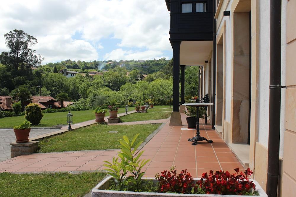 라 카소나 데 라 로사(La Casona de la Roza) Hotel Image 42 - Terrace/Patio