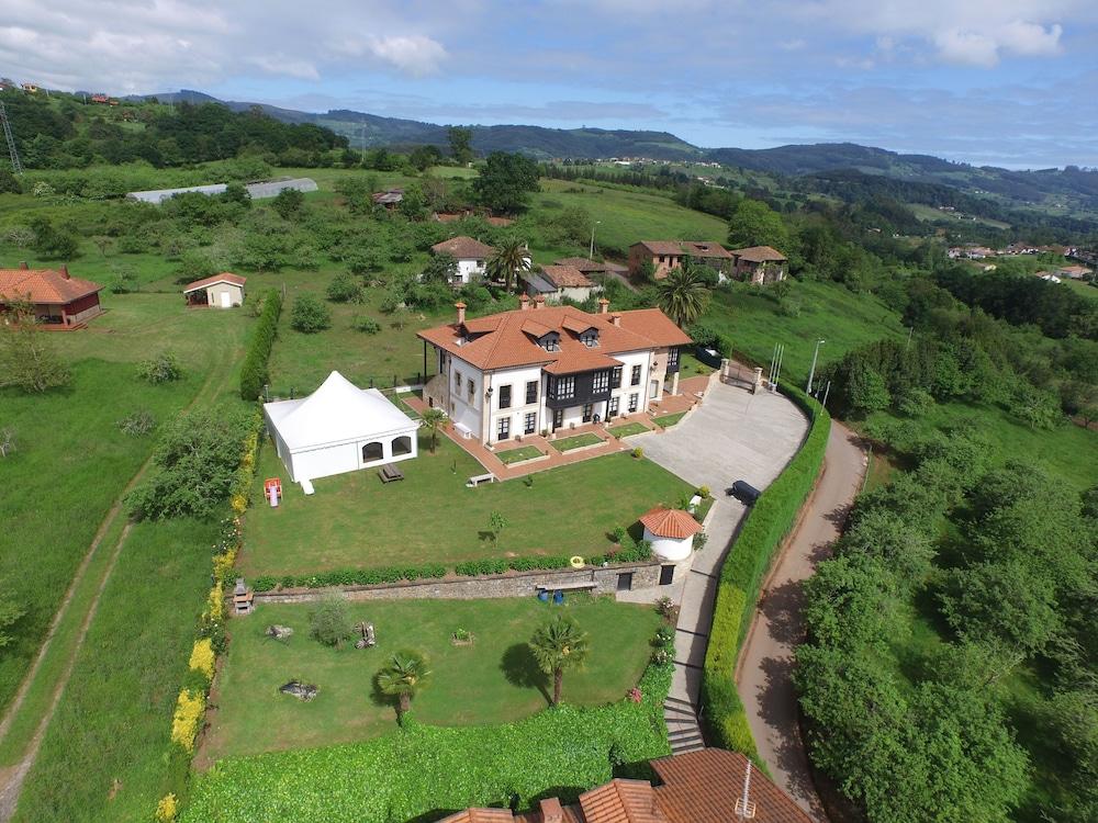 라 카소나 데 라 로사(La Casona de la Roza) Hotel Image 47 - Aerial View