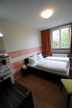 Tek Büyük Yataklı Oda, Ortak Banyo