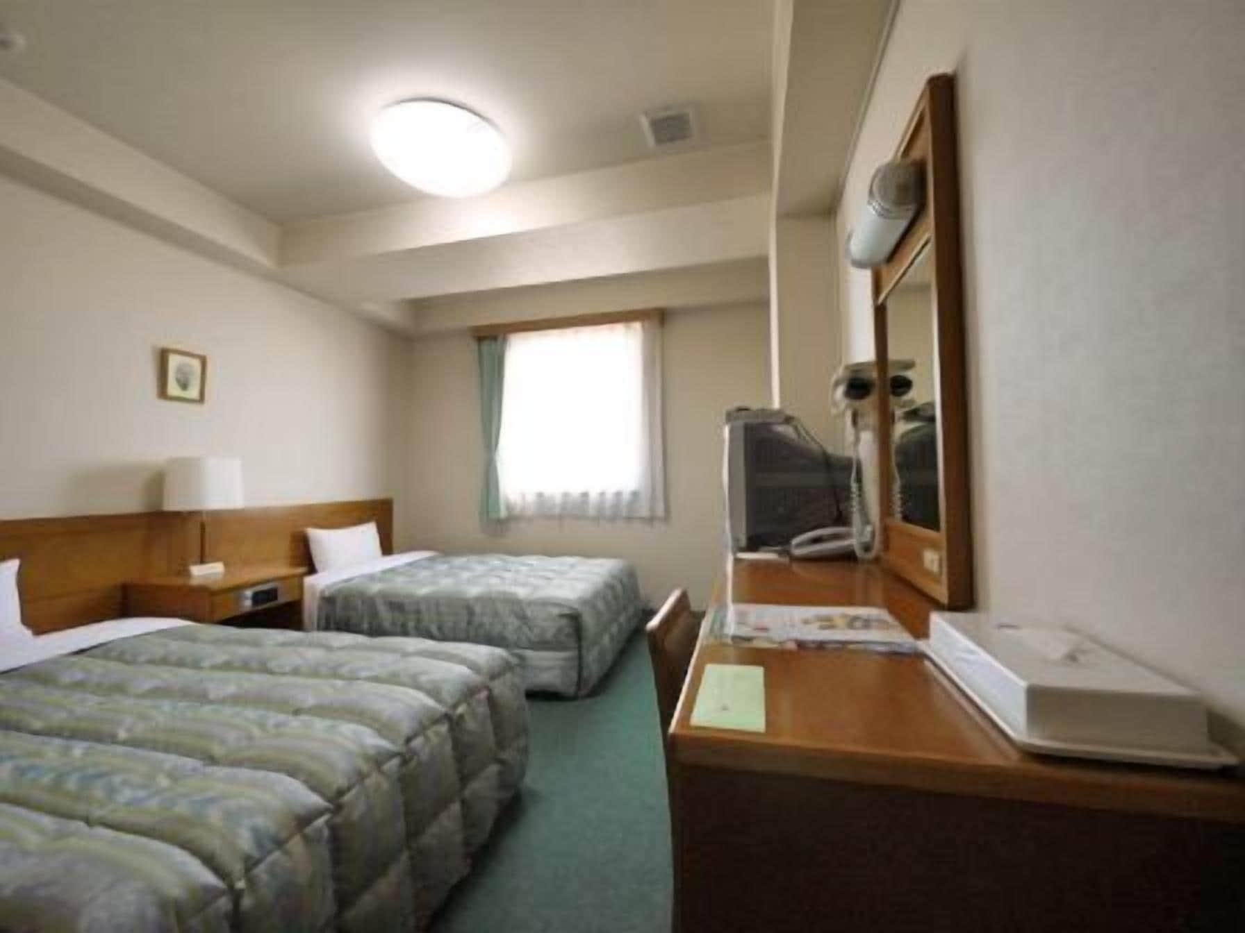 Hotel Route-Inn Tokoname Ekimae, Tokoname