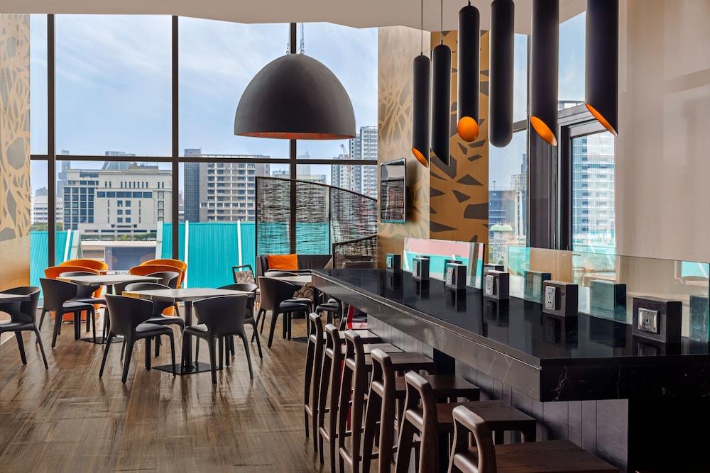홀리데이 인 익스프레스 방콕 시암(Holiday Inn Express Bangkok Siam) Hotel Image 33 - Breakfast Area