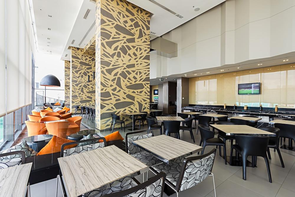 홀리데이 인 익스프레스 방콕 시암(Holiday Inn Express Bangkok Siam) Hotel Image 20 - Restaurant